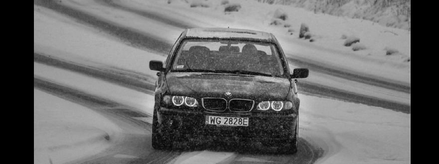 How to Stay Safe after a Winter Car Accident