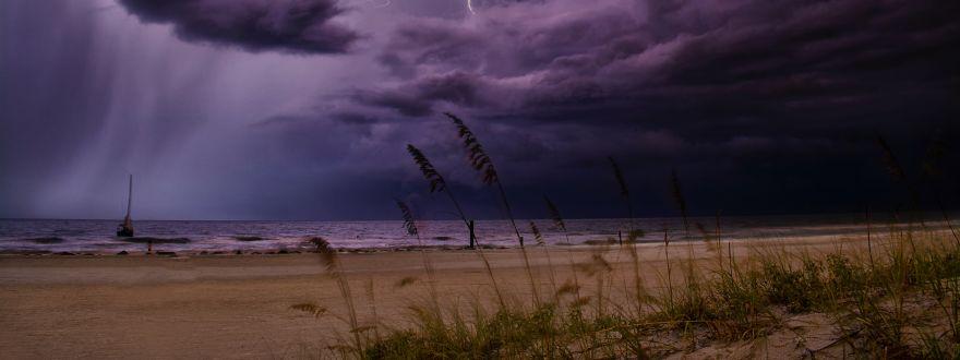 Can I buy homeowners insurance or hurricane / wind / hail insurance in Florida during hurricane season?